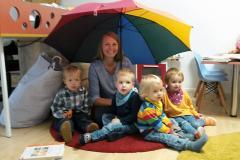 Tagesmutter Frau Wilke und ihre zu betreuenden Kinder